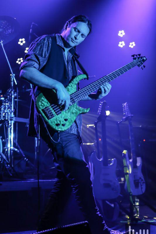 Bass player 5 string