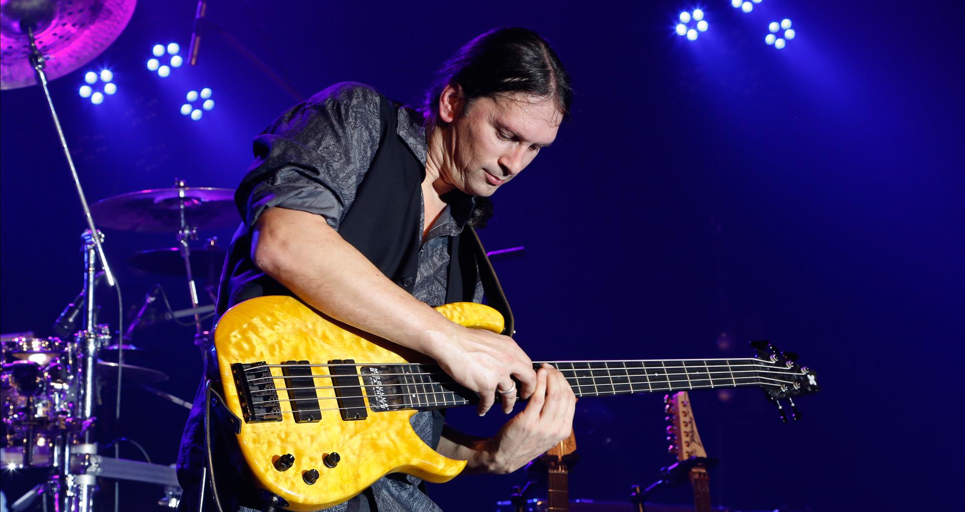 Steffen Knauss tour bass studio pro