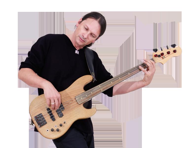 Steffen Knauss Fretless Bassist